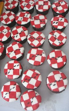 Picnic Ants Cupcakes
