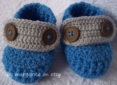 Crochet baby shoes by marguerite