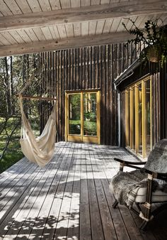 Villa Högklint - Houses for Rent in Visby, Gotlands län, Sweden Outside Living, Outdoor Living, Weekend House, Timber House, Small Places, Decks And Porches, Cabins In The Woods, Villa, Cottage