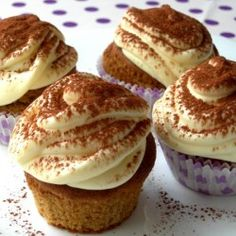 Tiramisù cupcakes for my friend, Debra, who loves loves loves tiramisu!