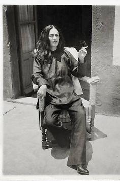 Freida Kahlo - Exhibit Museu Oscar Niemeyer, Her Photos