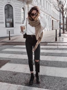 Versatile style and full of comfort: Outfit Inspo for girls .- Vielseitiger Stil und voller Komfort: Outfit Inspo für Mädchen Schütze Versatile style and full comfort: Inspo outfit for girls Sagittarius, - Winter Fashion Outfits, Edgy Outfits, Urban Outfits, Fall Winter Outfits, Look Fashion, Spring Outfits, Autumn Fashion, Casual Winter, New York Winter Outfit