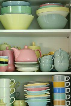 Vaisselle pastel vintage