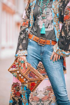 The most awesome bohemian style kimono everybody is talking about! Let's go boho chic! With this amazing bohemian style kimono called the Let's Dance Robe [. Hippie Style, Hippie Look, Gypsy Style, Bohemian Style Clothing, Boho Gypsy, Boho Outfits, Dressy Outfits, Stylish Outfits, Winter Outfits