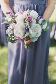 Photography: Tiffany Medrano Photography - www.tiffanymedrano.com/  Read More: http://www.stylemepretty.com/2015/06/15/romantic-blithewold-mansion-gardens-wedding/