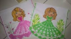 Resultado de imagem para croche vestido boneca pano de prato Princess Zelda, Disney Princess, Diy And Crafts, Disney Characters, Fictional Characters, Aurora Sleeping Beauty, Christmas Ornaments, Pasta, Appliques