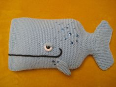 Crochet  PATTERN   Whale Hot Water Bottle Cover di Millionbells