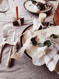 Styling a Scandinavian Christmas Table - Hygge For Home Scandinavian Christmas, Modern Rustic, Christmas Home, Hygge, Interior Styling, Place Card Holders, Table Decorations, Style, Interior Decorating