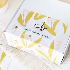 Check out a spoiler for the October 2019 The Clean Beauty Box by Art of Organics Subscription Box! Beauty Packaging, Box Packaging, Packaging Design, Beauty Box, Gift Box Design, Corrugated Box, Box Branding, Subscription Boxes, Monthly Subscription