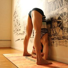 """""""Day 4⃣ of #RoadToWallness ➡️ Variation on #PrasaritaPadottanasana Hands down this is one of my favorite stretches, especially after a #backbend…"""""""