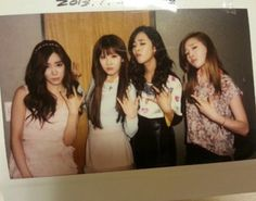 60218-girls-generation-shows-off-their-gangster-poses-charisma