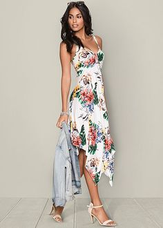 We can't get enough of floral prints! Venus floral print dress.