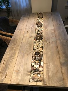 Tables – diy kitchen decor on a budget Wood Table Design, Wall Decor Design, Furniture Makeover, Furniture Decor, Furniture Design, Home Decor Kitchen, Diy Home Decor, Diy Coffee Table, Patio Table