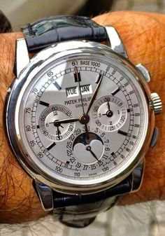 patek philippe nautilus watches for men Elegant Watches, Stylish Watches, Beautiful Watches, Vintage Watches For Men, Luxury Watches For Men, Fine Watches, Cool Watches, Silver Pocket Watch, Male Fashion Trends