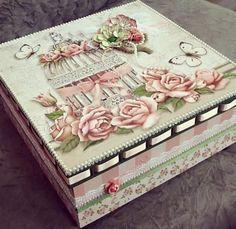 Decoupage Furniture, Decoupage Vintage, Decoupage Paper, Altered Cigar Boxes, Creative Box, Pretty Box, Jewellery Boxes, Keepsake Boxes, Box Art