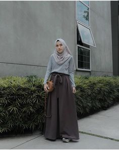 @nisacookie Modern Hijab Fashion, Hijab Fashion Inspiration, Muslim Fashion, Ootd Fashion, Fashion Outfits, Casual Hijab Outfit, Hijab Chic, Ootd Hijab, Long Skirt Hijab