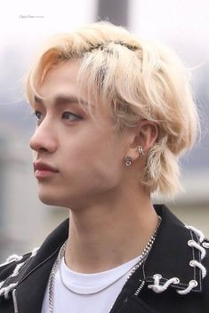 in case Bangchan isn't only sexy fucker but also Hyunjin's bitterswee… Chris Chan, Stray Kids Chan, Pose, Kid Memes, Lee Know, South Korean Boy Band, Boyfriend Material, Lee Min Ho, Boy Bands