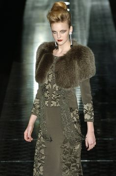 Valentino - Haute Couture - Fall / Winter 2004