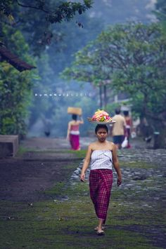 Some people look for a beautiful place, others make a place beautiful. I Love Indonesia. #BeautifulBali #TravelFacts #Travelphotography