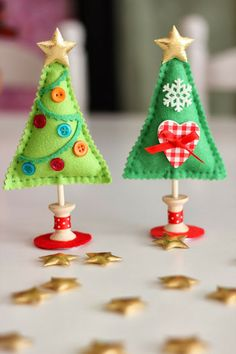 Tinker Christmas decorations yourself: Little effort - big effect! - Christmas decorations made of felt Christmas trees - Christmas Makes, Noel Christmas, All Things Christmas, Handmade Christmas, Google Christmas, Fabric Christmas Trees, Felt Christmas Decorations, Felt Christmas Ornaments, Xmas Trees
