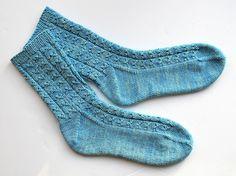 Knitting pattern Tipsy Owl socks