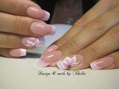 Flowers Nail Art.
