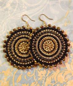 Graine de la déesse de cristal noir et or perles par WorkofHeart