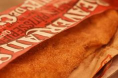 BeaverTails, a dangerous, sinful kid-friendly pastry, don't actually come from Quebec but are sold there more than anywhere else in the world. Pain Pizza, Salad Sauce, Snack Recipes, Snacks, Bread Bun, Soup And Salad, Brunch, Chips, Cooking