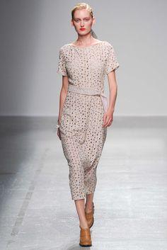 Véronique Leroy | Spring 2015 Ready-to-Wear | 29 White eyelet belted short sleeve midi dress