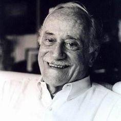 Paulo Autran, MORREU - foi um excelente ator do teatro - do cinema - da televisão - era Patrono do Teatro brasileiro.