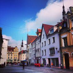 #Vanhakaupunki #OldTown Eläydy keskiaikaisen Tallinnan tunnelmaan Vanhankaupungin kujilla.