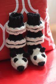 neulotut junasukat eläin panda mäyrä vauvatossut novita