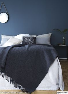 Surely beautiful Teen Girl Bedrooms for superb bedroom decor, number 3270746971 Paint Colors For Living Room, Room Colors, Pub Interior, Interior Design, Blue Gray Bedroom, Hall Design, Teen Girl Bedrooms, Dream Bedroom, Home Furniture