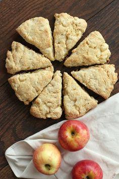 Apple Cream Scones opskrift - RecipeGirl.com