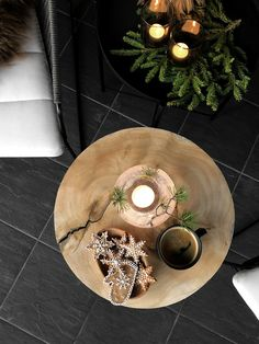 CHRISTMAS AT THE TERRACE - Therese Knutsen Christmas Table Settings, Holiday Tables, Christmas Decorations, Table Decorations, House Extensions, Xmas Party, Black Decor, Before Christmas, Home Interior Design