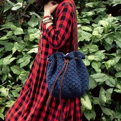 Details: * Material: cotton and linen blend thread. cattle hide  Lining: Cotton linen blend  *Size: The width of the bag : 35cm (13.78)  The height