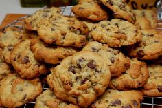 SECRET INGREDIENT CHOCOLATE CHIP COOKIES - Hugs and Cookies XOXO