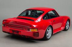 Looking for the Porsche 959 of your dreams? There are currently 2 Porsche 959 cars as well as thousands of other iconic classic and collectors cars for sale on Classic Driver. 1999 Porsche 911, New Porsche, Porsche Cars, Porsche Replica, Porsche Factory, Collector Cars For Sale, Twin Turbo, Diecast, Super Cars