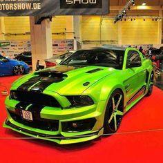 For Mustang verte race