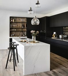 32 Wonderful Kitchen Design Ideas For Apartment. If you are looking for Kitchen Design Ideas For Apartment, You come to the right place. Below are the Kitchen Design Ideas For Apartment. This post ab. Modern Kitchen Design, Interior Design Living Room, Living Room Designs, Interior Decorating, Black Interior Design, Coastal Interior, Decorating Ideas, Diy Interior, Contemporary Interior