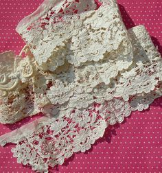 Etsy listing at https://www.etsy.com/listing/177045038/antique-lace-mixed-lace-collar-brussels