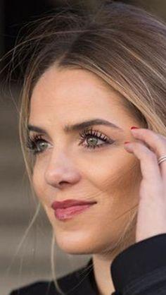 Makeup look- Julia Engel (Gal Meets Glam)