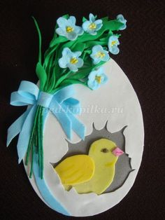 Easter Art, Easter Crafts For Kids, Crafts For Teens, Diy And Crafts, Paper Crafts, Easter Greeting Cards, Clay Pot Crafts, Easter Holidays, Paper Flowers