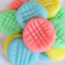 Cream Cheese Candies ~ I HAVE to make these for Easter!