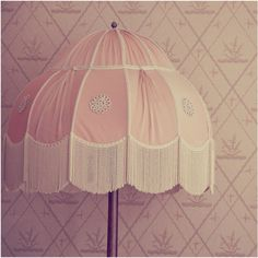 I love lamp shades like this. Vintage Lamps, Shabby Vintage, Vintage Pink, Lamp Shades, Light Shades, Pale Pink, Pink Roses, Shabby Chic Lighting, Pink Lamp
