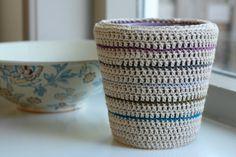 Crochet plant pot cozy - CROCHET