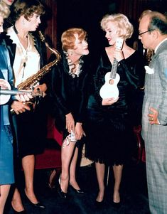 Marilyn Monroe Tony Curtis en Jack Lemmon op de set van