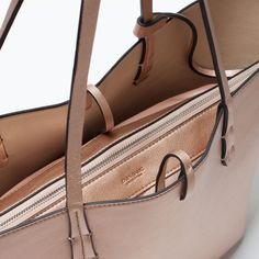 Image 4 of REVERSIBLE METALLIC SHOPPER BAG from Zara