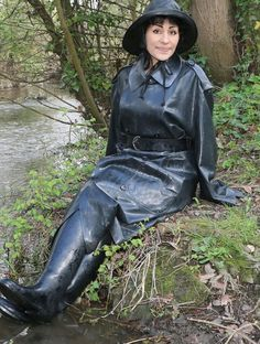 Lick my Boots. Heavy Rubber, Black Rubber, Latex, Rubber Raincoats, Black Angels, Rain Gear, Weather Wear, Equestrian Outfits, Boots