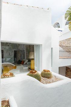 Arquitectura Ibicenca Diseño lloret . moraira-ibiza laifetyle.com Greenwich Village, Alicante, Moraira, Hotel Apartment, Mediterranean Style, Decoration, Exterior Design, Terrace, Oversized Mirror